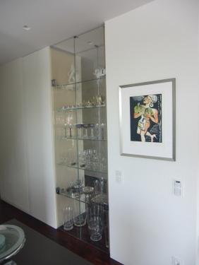 Spiegel Raumteiler bild glasvitrine als raumteiler