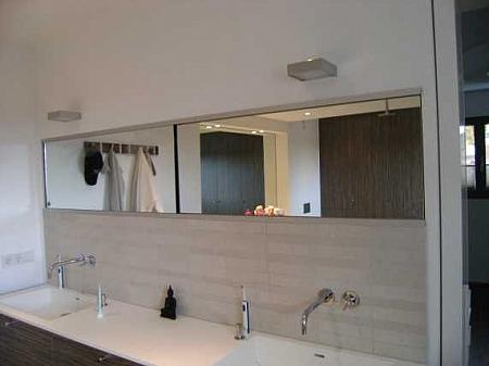 Bild:Spiegelschrank mit 2 Schiebetüren